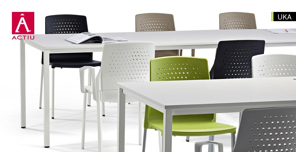 UKA. Chair designed to be versatile, light and easy to store