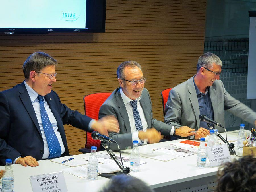 Actiu hosts a meeting between a hundred entrepreneurs and president of the Valencian government 11