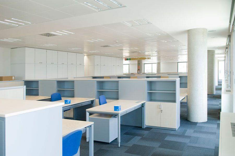 Actiu equipa la nueva sede del banco sabadell for Sabadell cam oficinas