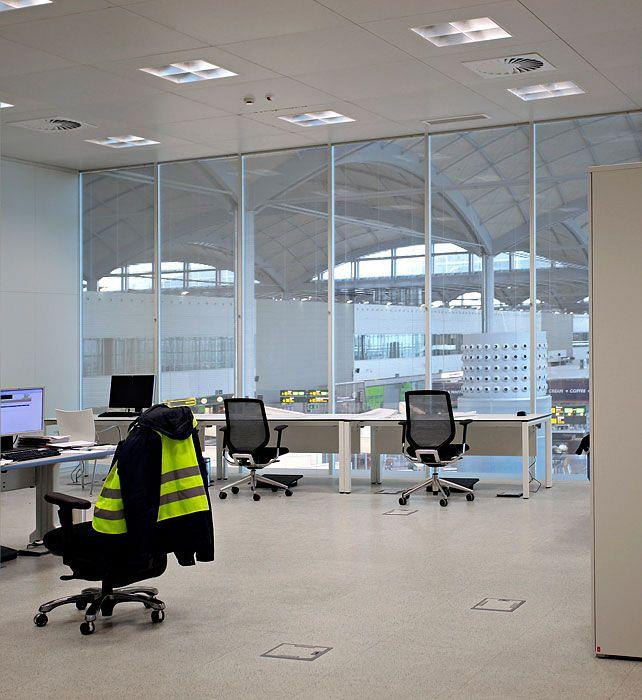 Actiu furnishes the new airport in Alicante 11