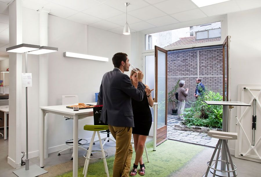 actiu paris showroom characterizes its own office and contract furniture actiu furniture