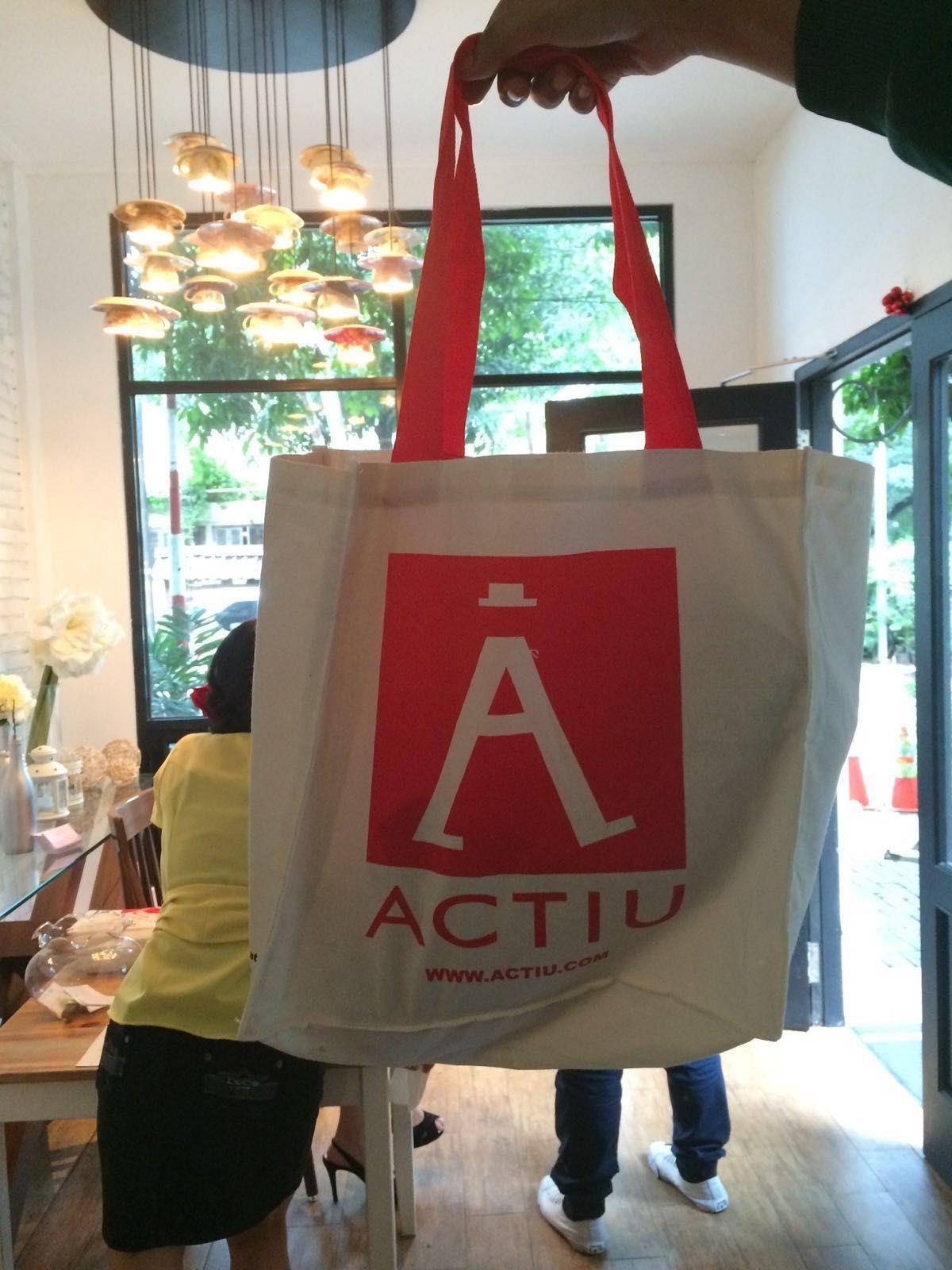 In a multitudinous event, BWI introduces the brand Actiu to the Indonesian market 7