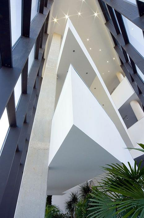 Actiu Technology Park staircases, a differentiating architectural element 4