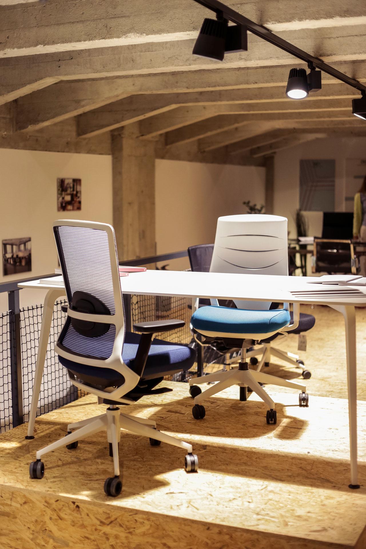 Showroom Bratislava Nexo De Uni N Natural De Mercados Y Culturas # Nexo Muebles De Oficina