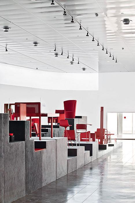 TNK 500 travels with the Red Show exhibition to promote good design 9